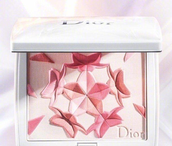 Dior迪奥春季限定樱花腮红,真的是无敌美,瞬间俘获我的心儿