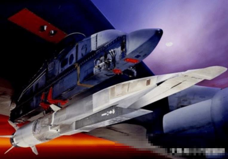 俄蛇形导弹发射成功,美国可以拦截八次,我方:我可以造出来