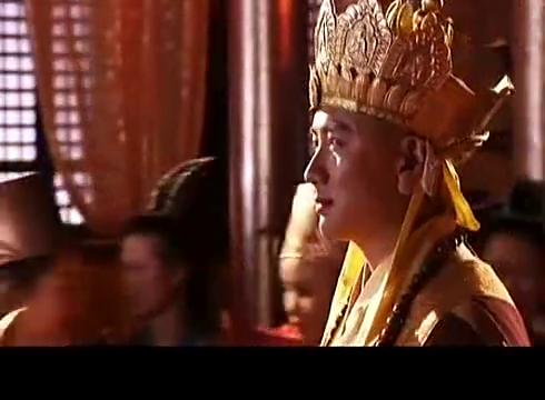 唐僧觐见女儿国王,大臣们议论纷纷:真是一白遮百丑