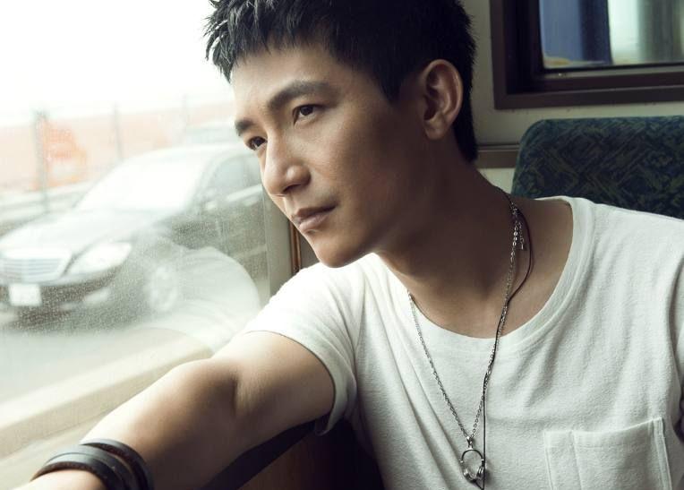 快男冠军:陈楚生没火,李炜没火,而被淘汰了的他却火遍全亚洲!