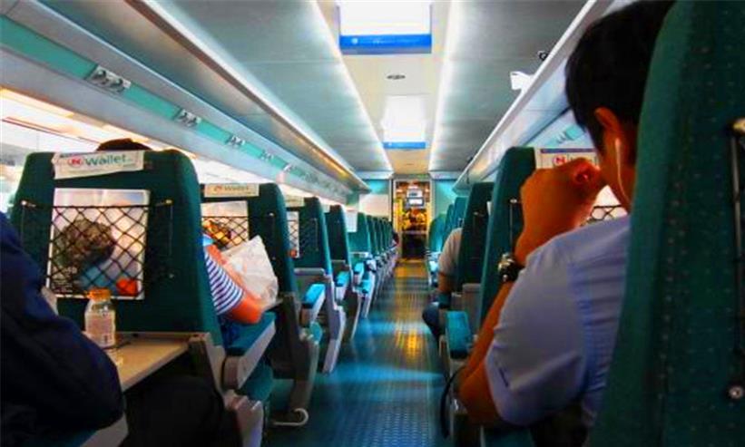 现今高铁已经很普及,为何很多游客宁愿坐卧铺,也不愿做高铁呢?