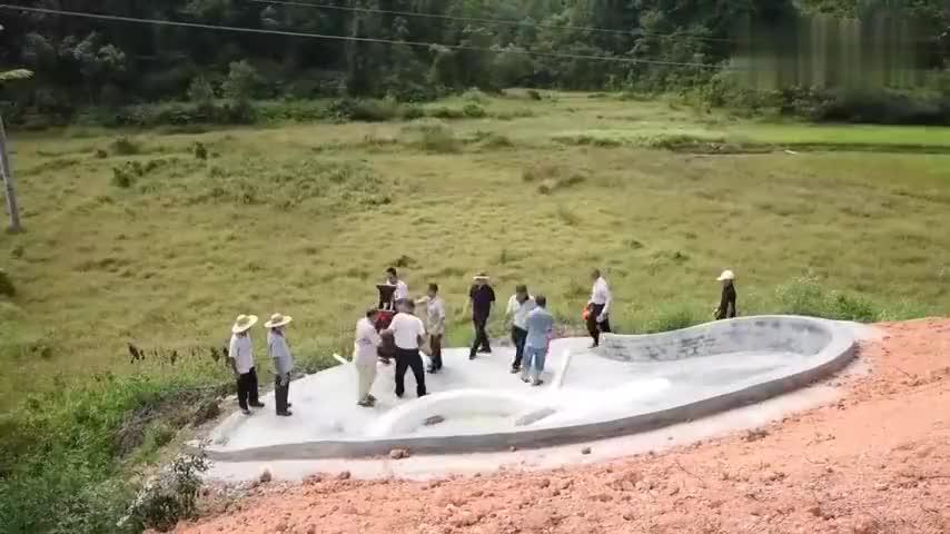 福建农村小家族人丁越来越少花重金重建祖坟