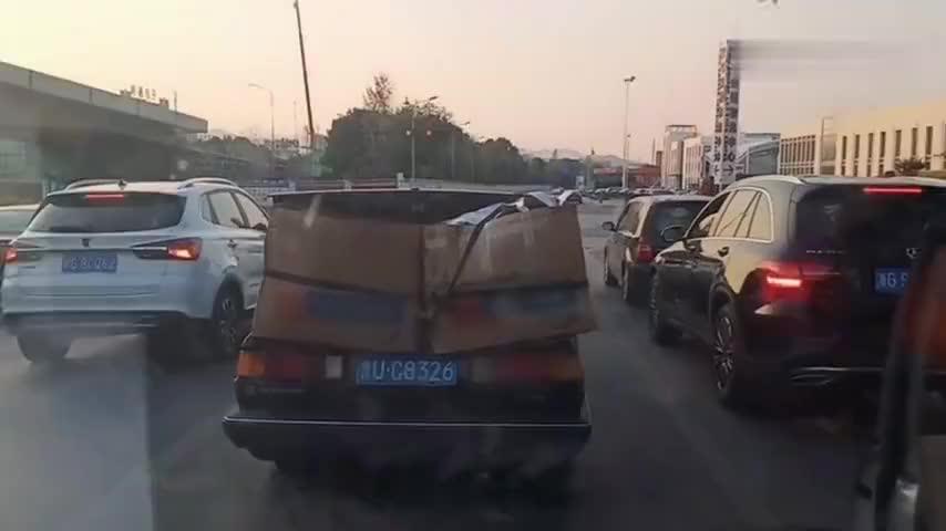 义乌的小轿车都是万能的既能载人又能拉货