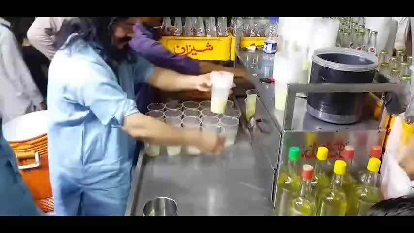 这就是印度人做西瓜汁就感觉在喝他的洗手水