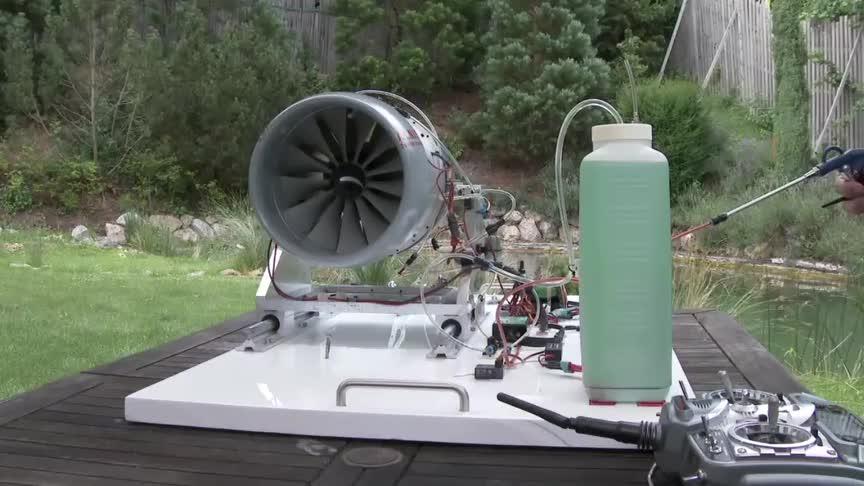 启动一台涡扇发动机眼睁睁地看它抽完一桶油