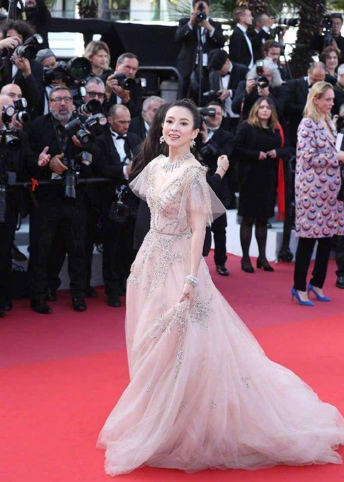 戛纳电影节闭幕!章子怡、许晴红毯斗艳!你认为谁更美?