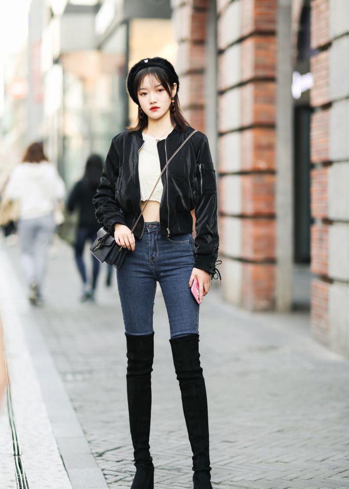 路人街拍,时尚简约又知性干练的穿搭参考,让你跟上潮流新风尚