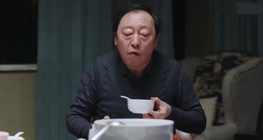 苏明成欲拿父亲养老钱投资,却没想到被存银行定期