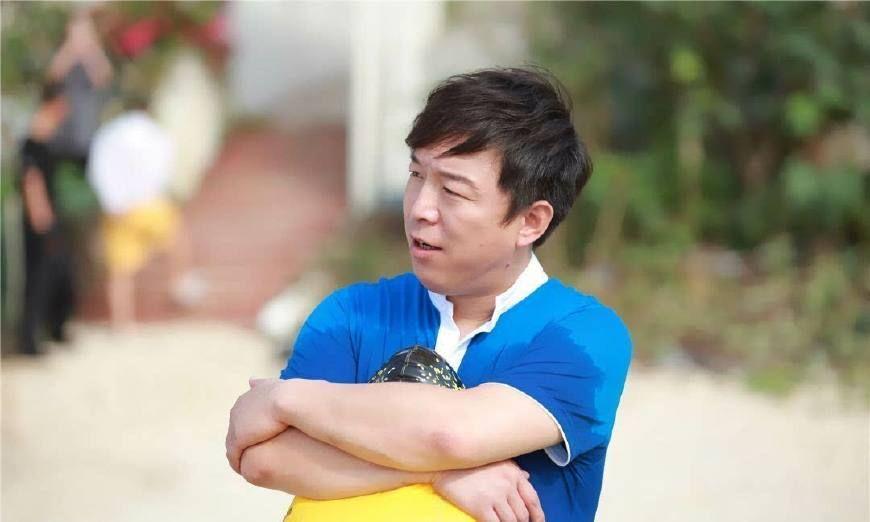 黄渤同学刘亦菲、江一燕、罗晋我们都知道,没想到和他也是同学