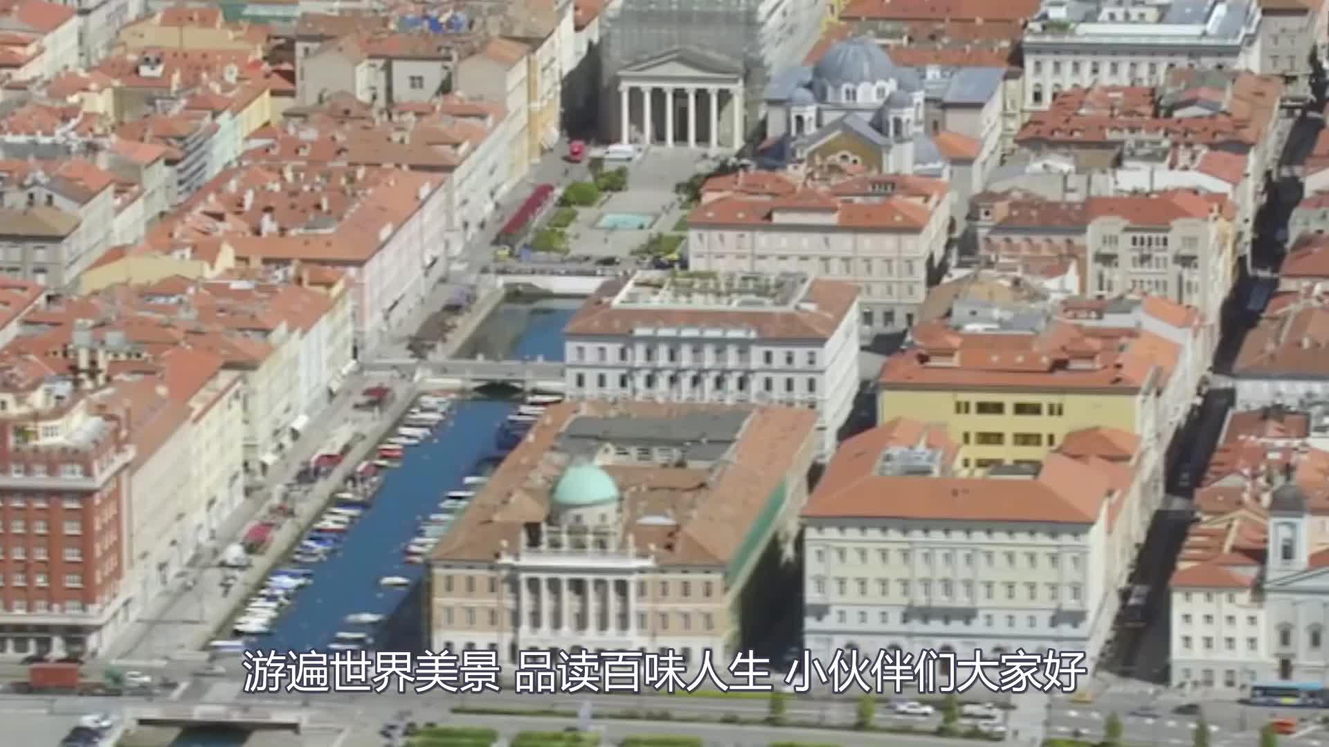 中国美女穿汉服上街,看到转身那一刻,老外纷纷掏出手机拍照