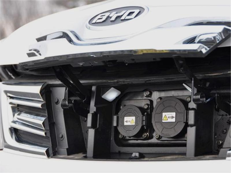 """比亚迪为何是""""全球最安全的电动汽车""""?网友:特斯拉不香了"""