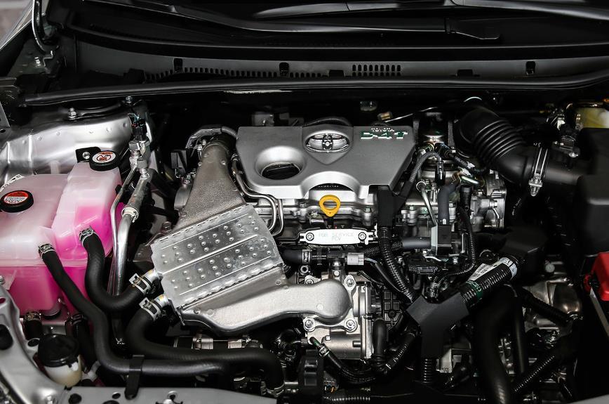 全新丰田雷凌1.2T,外观犀利内饰有黑科技,性价比高