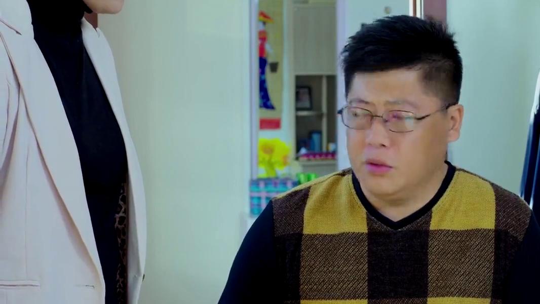 乡村爱情:宋晓峰想招聘陈艳楠,小李心里不高兴,吃醋了
