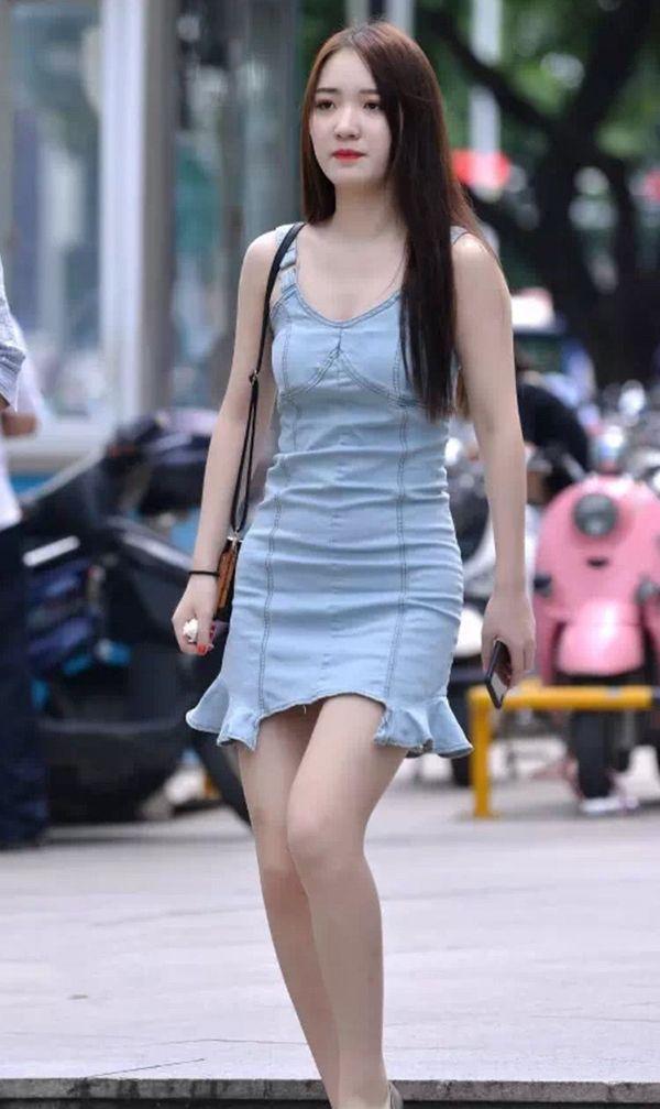 8款漂亮时尚的牛仔裙 8个小姐姐演绎不同的风格