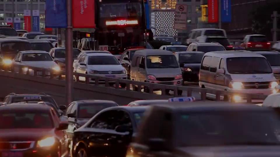 视频:当VV5遇上哥瑞,本田车主难道真是买发动机送的车