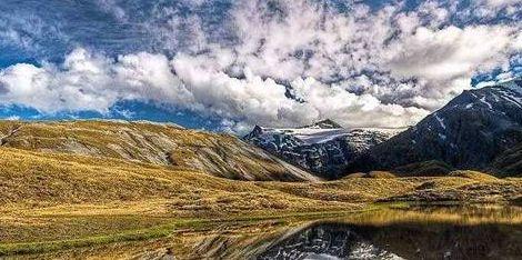 冰川、滑雪场、高山、峡谷和野生动物栖息地:阿斯帕林山国家公园