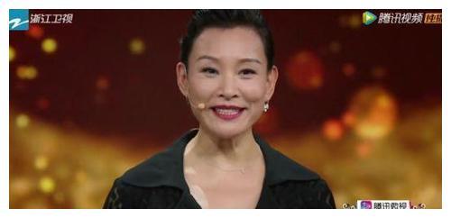最不适合清宫装的女星:陈冲邬君梅上榜,明玉武侠妆酷似神仙姐姐