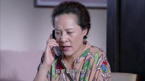 母亲打电话催女儿起床谁知女儿说一句英文老妈竟以为进贼了