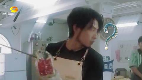 中餐厅:超可爱!王俊凯被烫秒变跳舞机