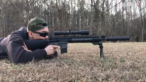 Mk12特种步枪,配备瞄准镜、消音器、支架这就是狙击步枪了