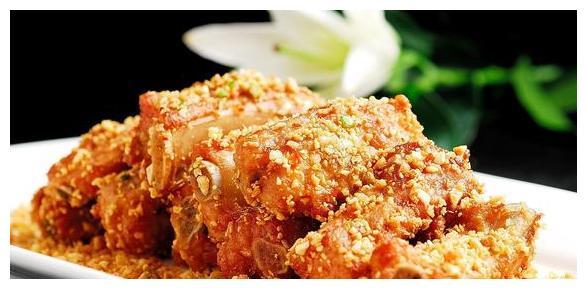 家常菜:胡萝卜炒肉,香酥排骨,茄汁豆腐,石锅老豆腐食谱包席图片