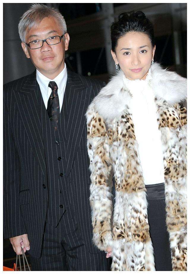 吴婉芳23岁次子情人节晒与女友温馨合照,与哥哥同帅气形象反差大