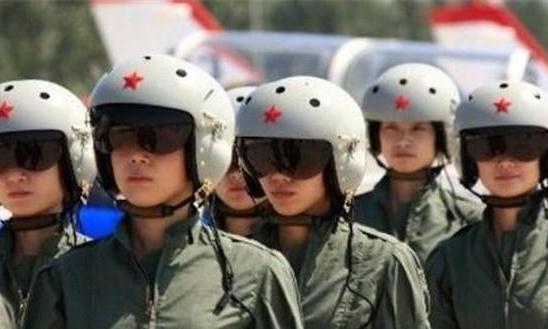 中国首支歼-20航空旅曝光,堪称空军最强作战部队,美国着急了