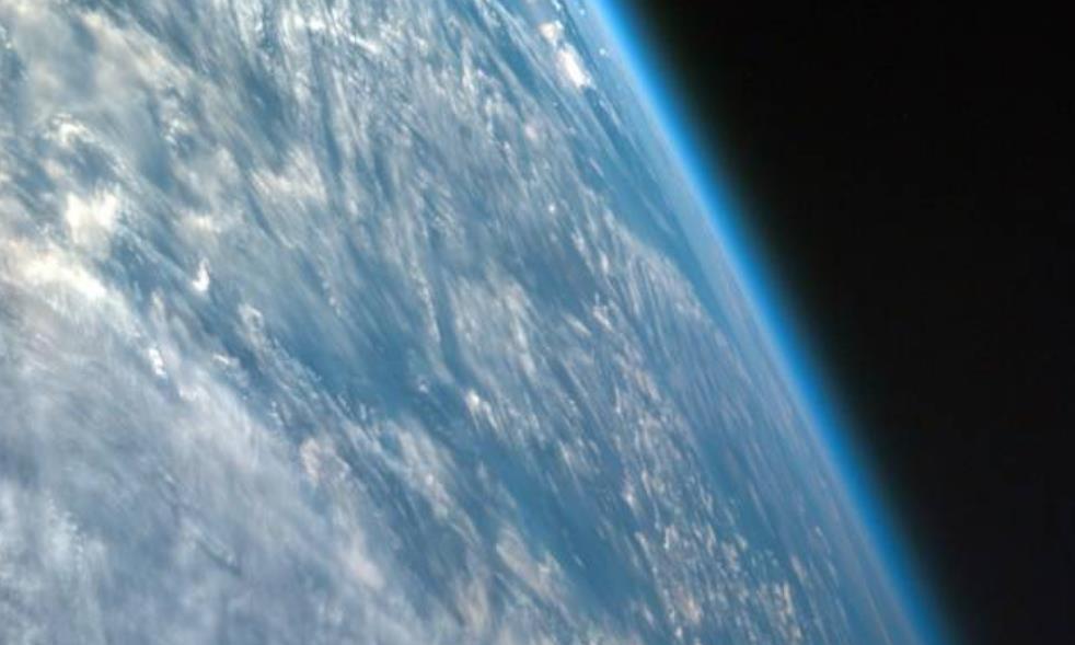 未来地球变火星?大气层每年被吹跑10万吨,人类该何去何从!