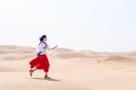 响沙湾骑骆驼,超过500峰骆驼为世界最长的驼队