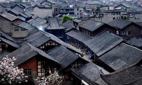 """被誉为""""中国诺亚方舟""""的小镇:居民过着桃源生活,游客宛如穿越"""