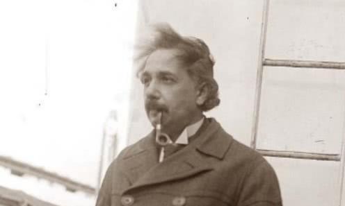 爱因斯坦曾说:时间并不存在,人类被记忆欺骗了!到底什么意思