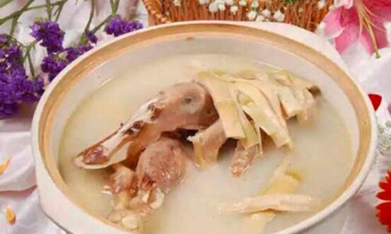 鸭肉跟什么煲汤好吃?萝卜、冬瓜和山药煲汤伴侣
