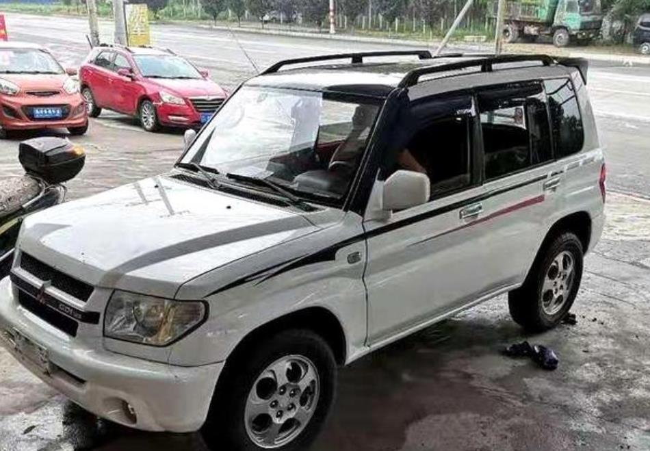 最不该停产的国产越野车,被誉为贴标帕杰罗IO,用三菱超选四驱