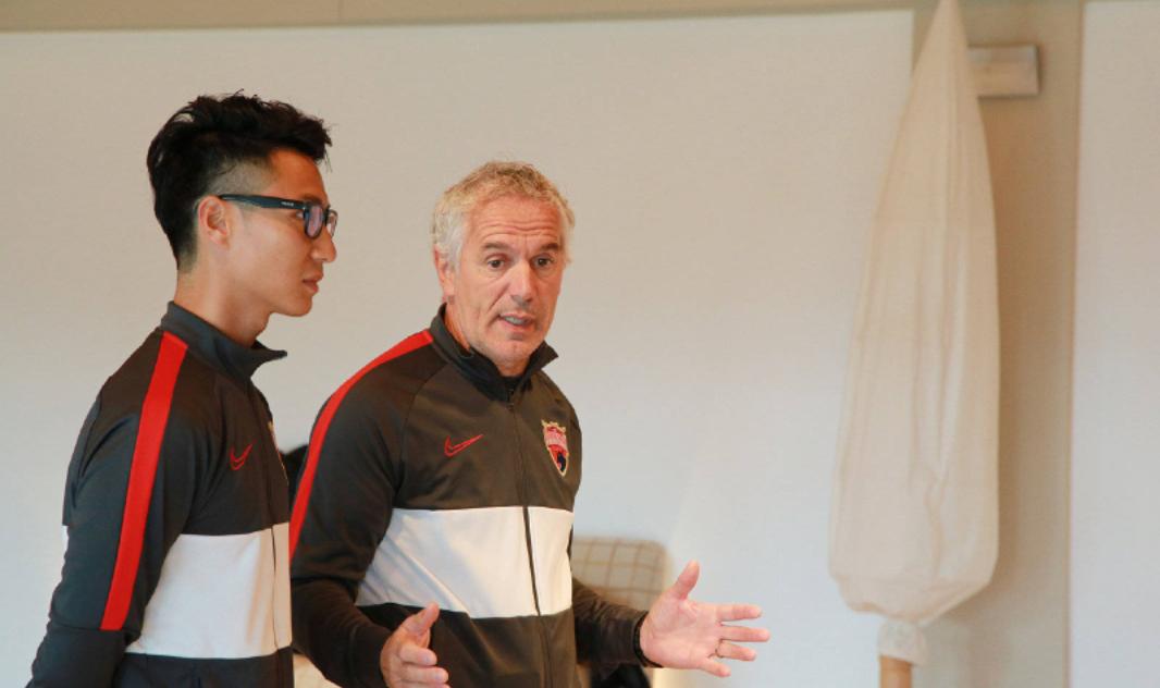 深圳佳兆业俱乐部球员抵达巴塞罗那,深足第三阶段的冬训拉开序幕