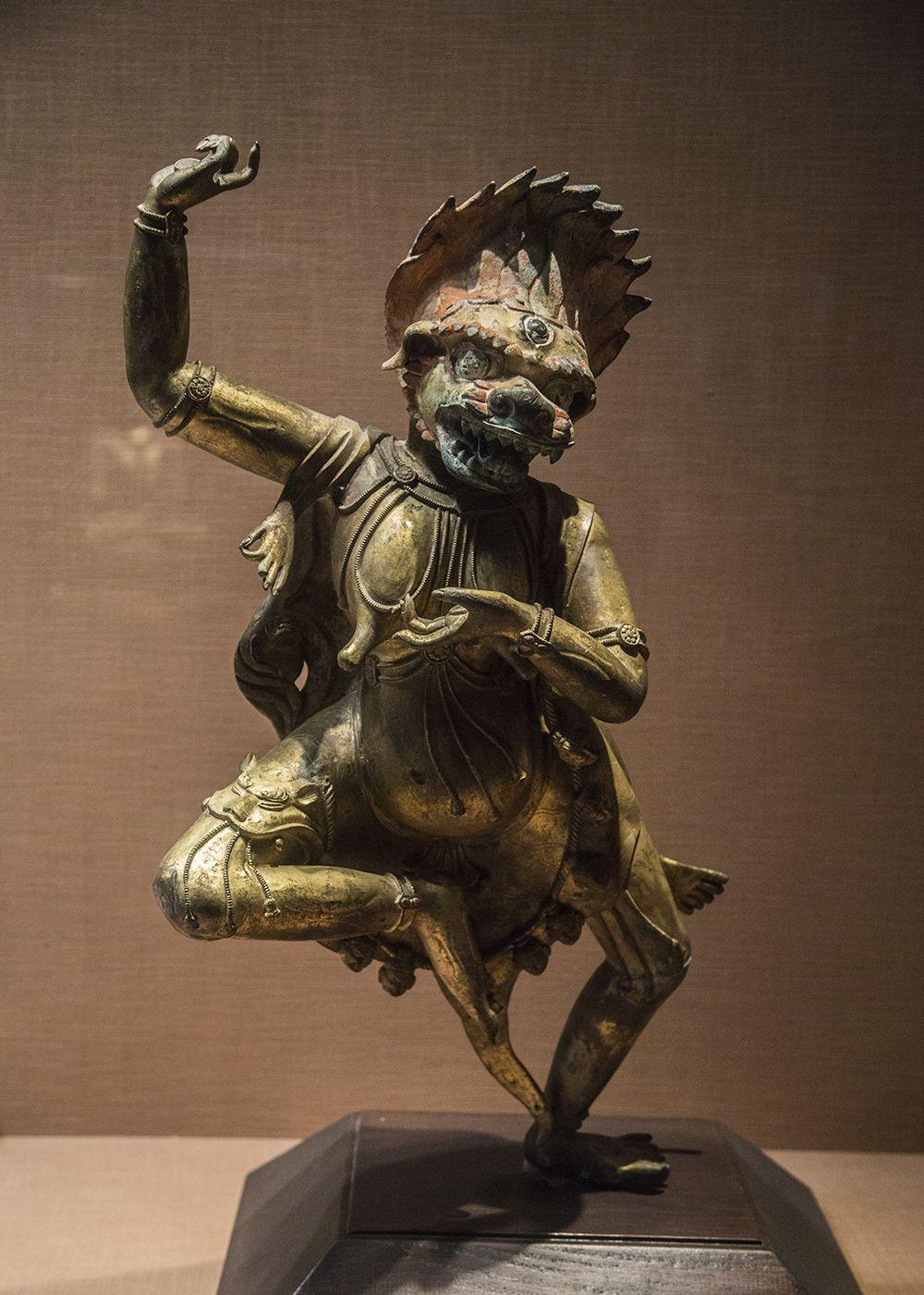 藏传佛教造像艺术,清代仿古风格造像,和早期佛像有明显差异