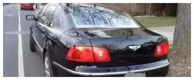 裸车253万的豪车开出去被人低估,一气之下车主换了个B标志