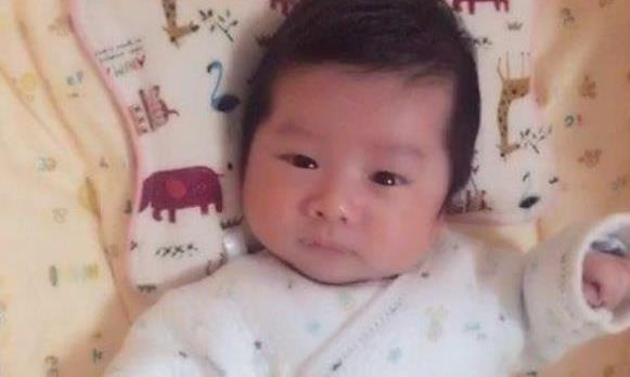 """30天宝宝身上长""""小草莓"""",婆婆说是胎记,看完医生无法接受"""