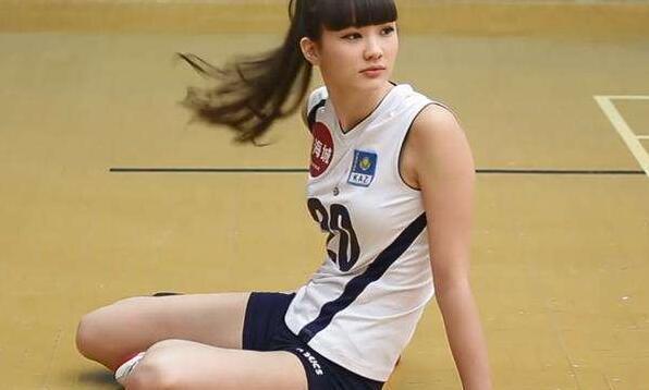女排第一少女日本归来清纯不再,直言爱上骑黑马奔腾之感