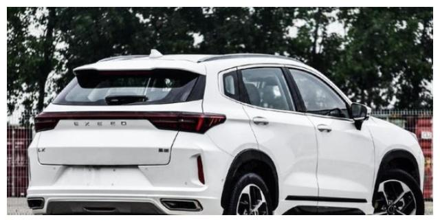 全新星途LX实车现身,采用贯穿式双屏设计,百公里油耗仅为6.9升