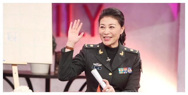岳红90后导演系毕业女儿岳以恩,《急诊科医生》党珍妮铁瓷来了