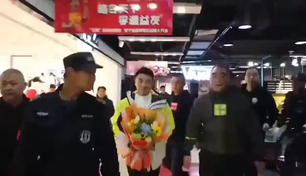 王皓乒乓球球迷石家庄见面会