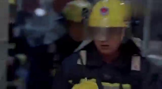 好先生:男子和江莱被关在冰柜,快要支撑不住的时候,警察感到了