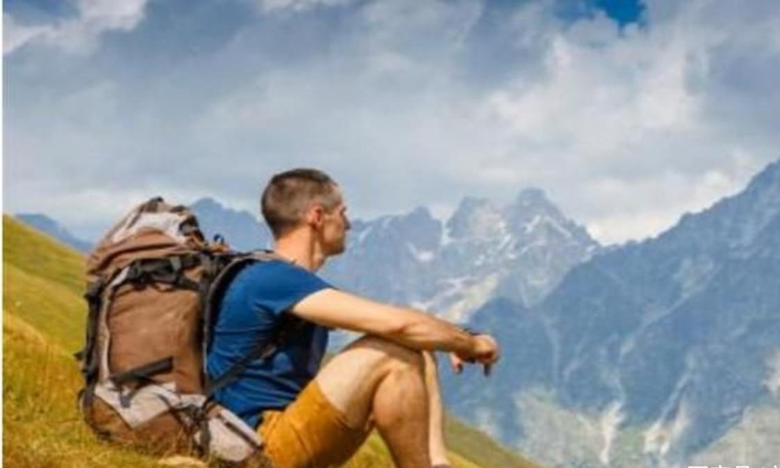 为什么国人出门旅行喜欢拖箱子,而老外却爱背包呢?是什么原因