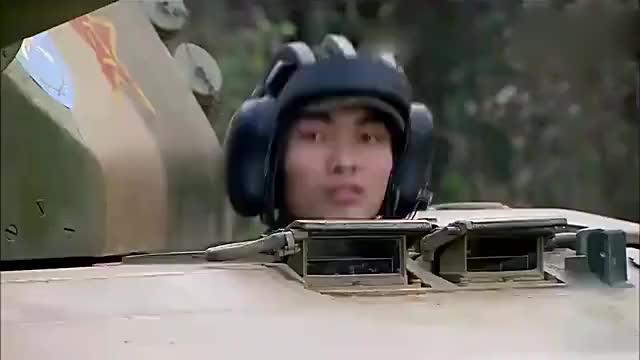 《我是特种兵》坦克连长郁闷坏了被何晨光和王艳兵的狙击枪打掉