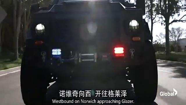 最新动作片,特警追捕抢劫犯,副队长见钱眼开,拿2叠放自己口袋