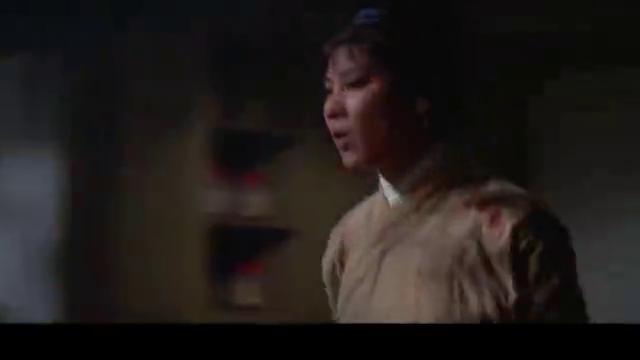 武林风云:独眼虎慢慢靠近超男,不料她还留一手,有好戏看了!