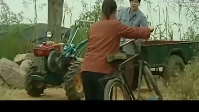 菊香独自上街抓药, 男子开拖拉机就想耍流氓