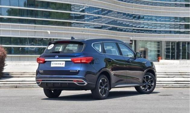 """国产SUV惊现""""黑马"""",15万公里质保,销量一路走高"""