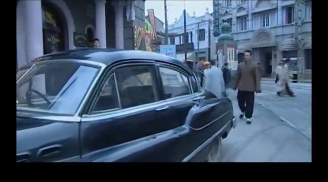 大染坊:陈寿亭路上看到厂子车子,以为家驹公车私用