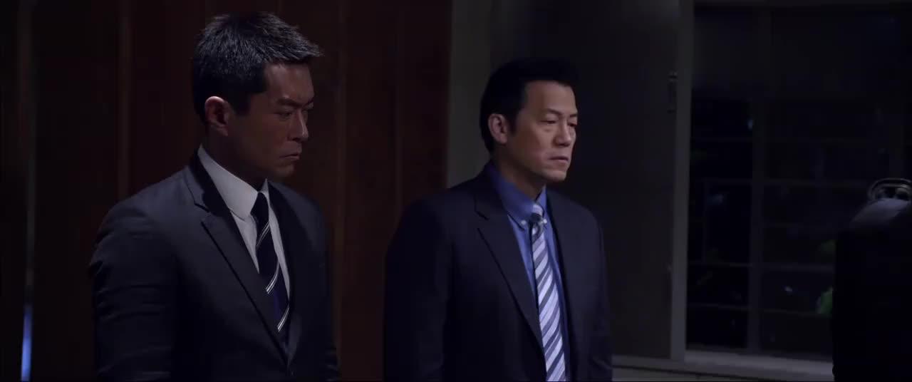 陆智廉成功带着证人梁安莹成功到达C区安全屋